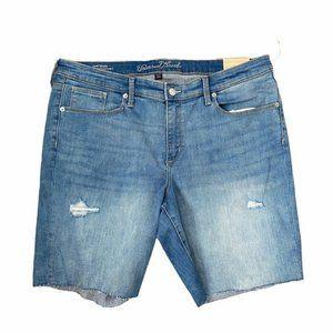 Universal thread mid rise Bermuda shorts NWT
